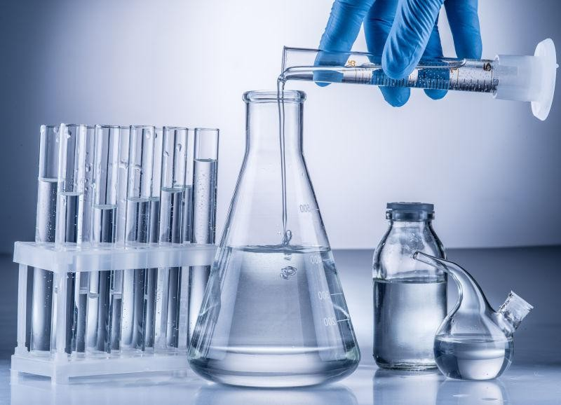 Dụng cụ thủy tinh cần đảm bảo độ sạch về hóa học và hình thức