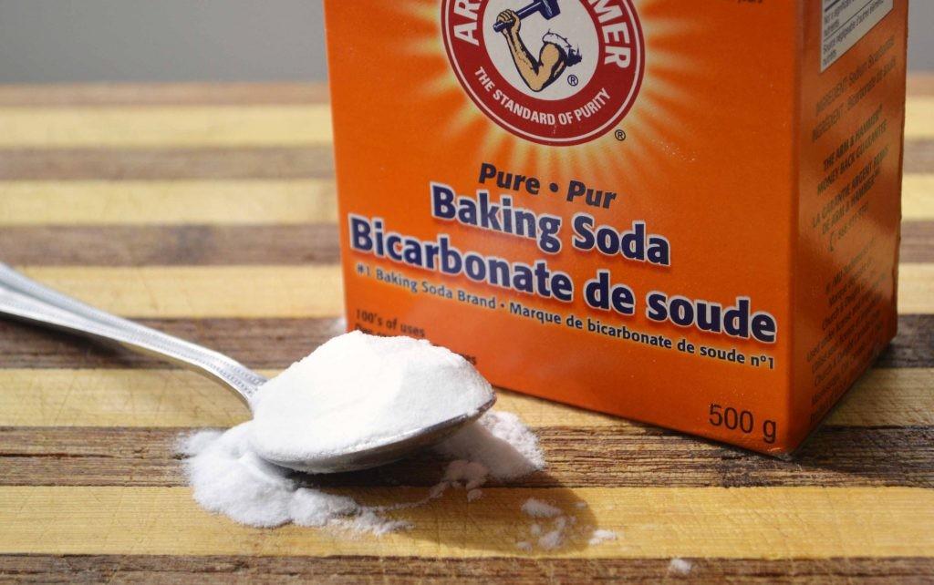 Tẩy cặn canxi bằng baking soda