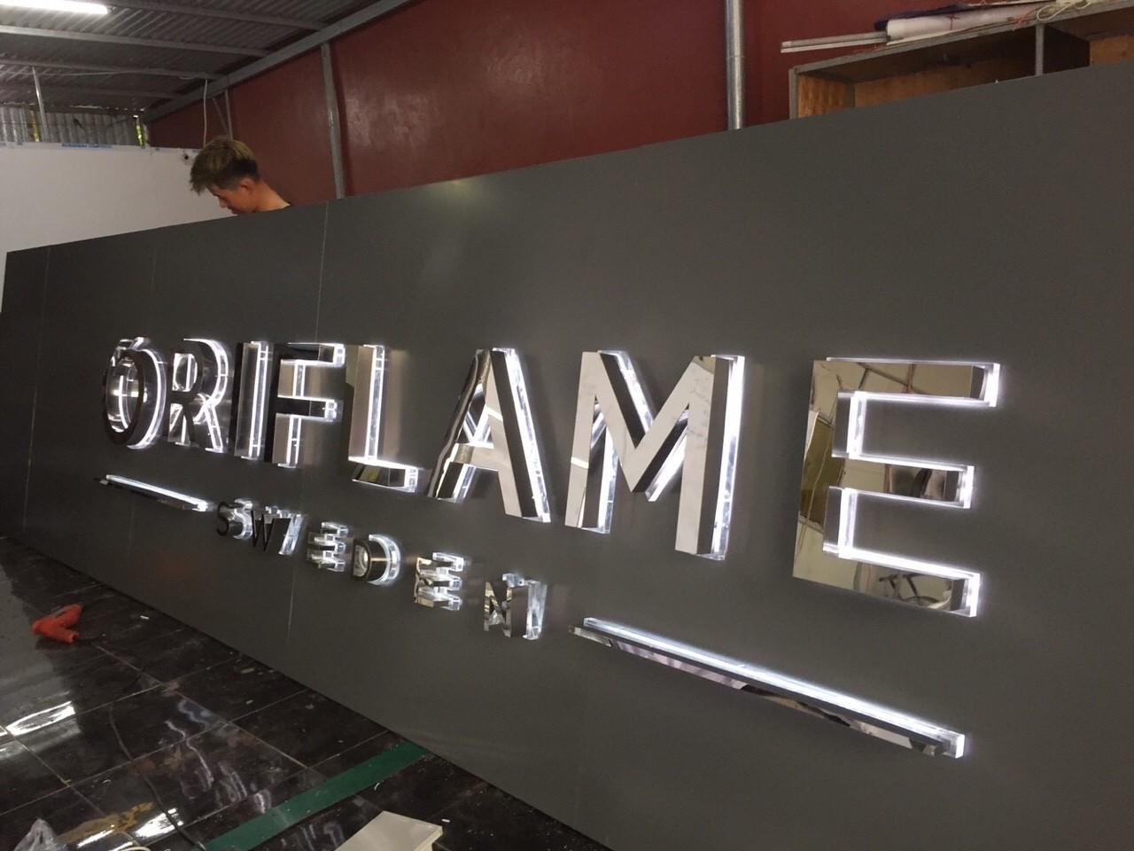 Biển quảng cáo sử dụng Aluminum làm bộ chữ