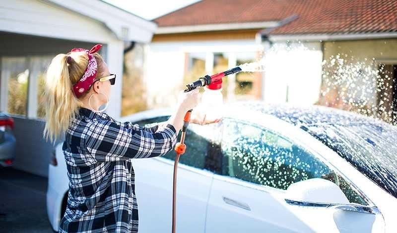 Rửa xe oto giúp đảm bảo tính thẩm mỹ và độ bền của xe