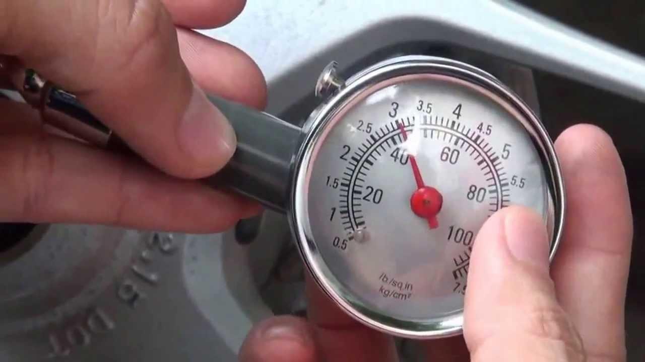 Đồng hồ đo áp suất lốp oto