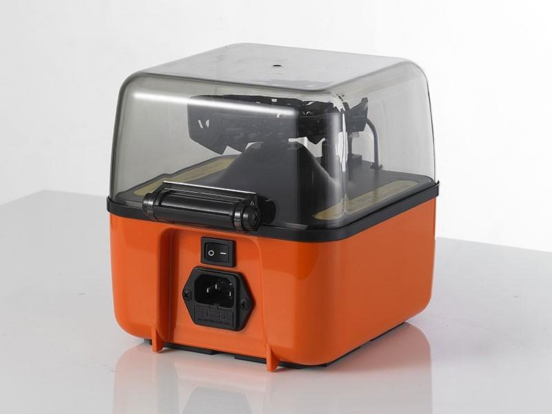 Máy ly tâm mini cubee được LabVIETCHEM cung cấp