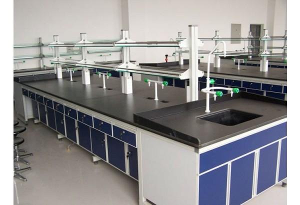 Tùy vào yêu cầu của thí nghiệm mà lựa chọn loại bàn phù hợp nhất