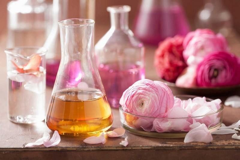 Kiểm soát chất lượng của nguyên liệu trong sản xuất nước hoa