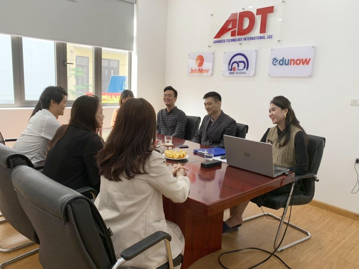 Đại diện Lê Ánh và ADT phát biểu ý kiến