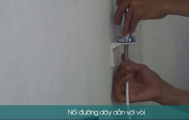 Lắp đường dây ống với vòi