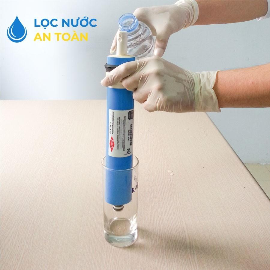 Dùng màng lọc RO để thấm nước tinh khiết
