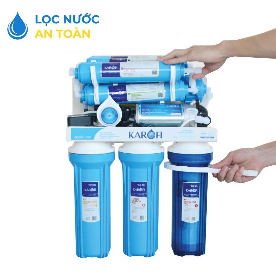 Siết chặt cốc nếu nước bị tràn