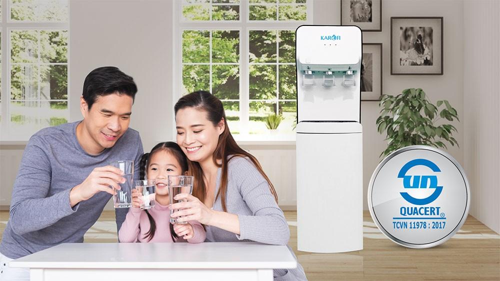 Cây nóng lạnh hút bình Karofi HC18 được đánh giá rất cao về chất lượng nước