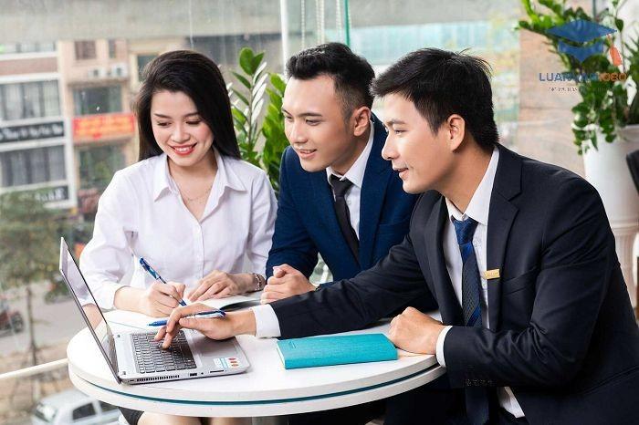 Sự hài lòng của nhân viên trong công ty có liên hệ tới thái độ làm việc