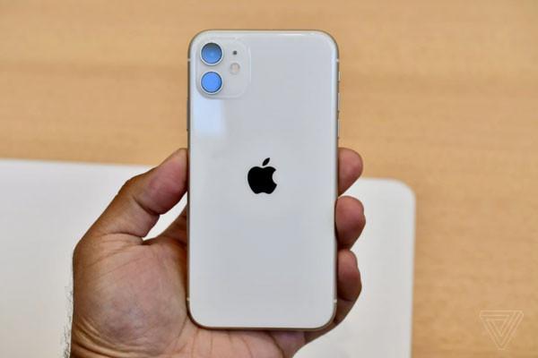 Thay mặt kính lưng sau iPhone 11