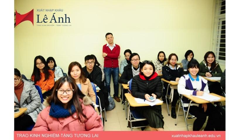lớp học nghiệp vụ xuất nhập khẩu thực tế tại Hà Nội