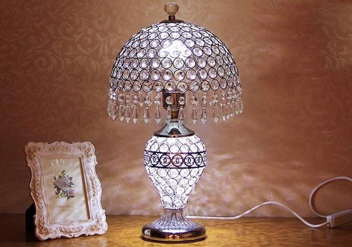 Đèn để bàn phòng ngủ - Đèn bàn phòng ngủ pha lê- Đèn Để Bàn