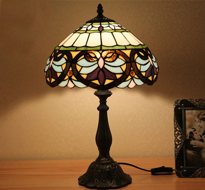 Đèn bàn phòng ngủ - Đèn để bàn ngủ đẹp Tiffany - Đèn Để Bàn