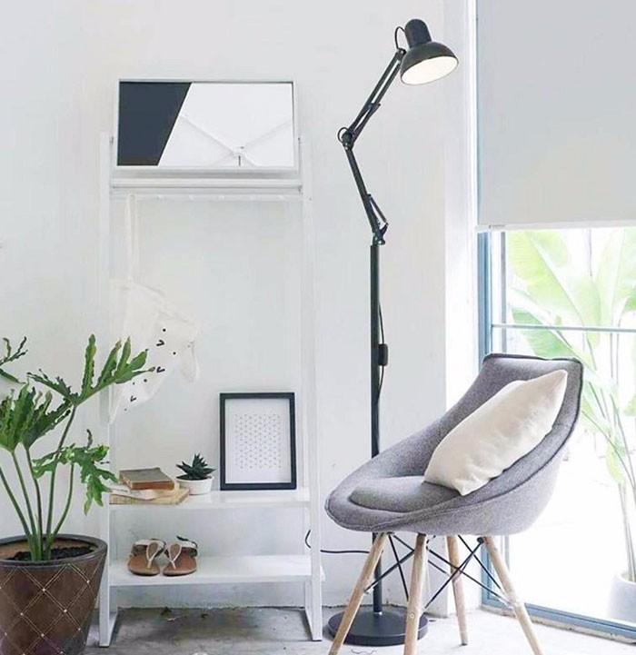 Đèn cây phòng khách dễ dàng vận chuyển