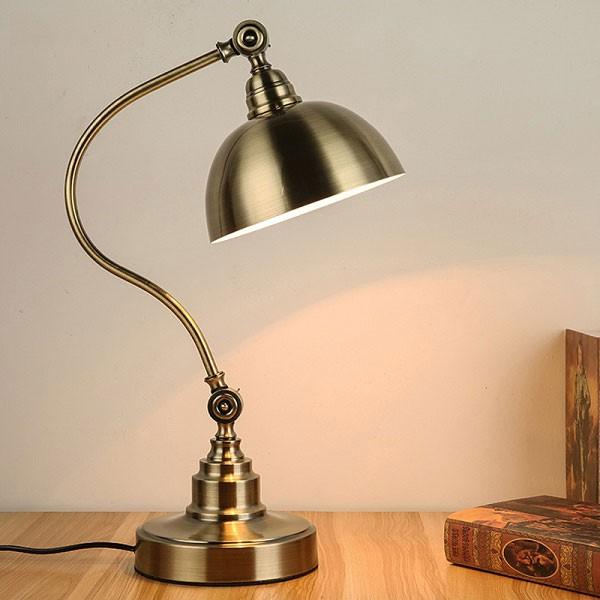 Đèn LED trang trí để bàn cổ điển