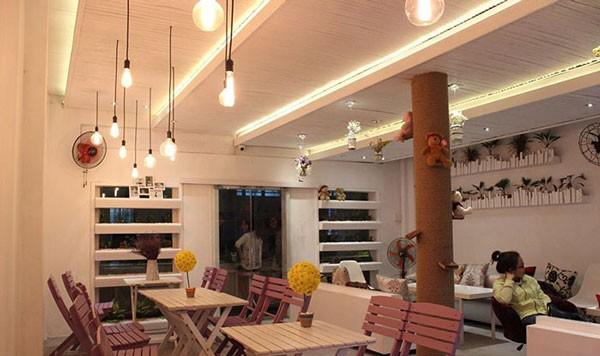 Đèn thả quán cà phê kết hợp bóng đèn dây LED- Đèn thả