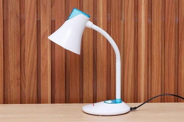 Đèn bàn bảo vệ thị lực Điện Quang DKL15