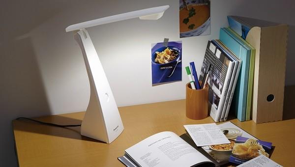 Đèn để bàn Panasonic Sq Ld220 - Đèn bàn làm việc Panasonic