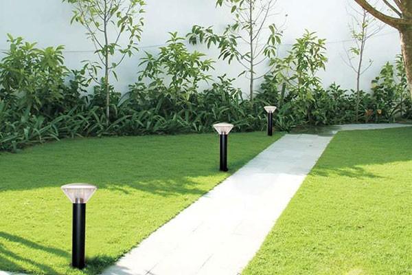 Đèn cây trang trí sân vườn thấp