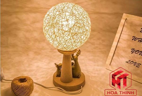 Đèn gỗ để bàn phòng ngủ - Đèn bàn