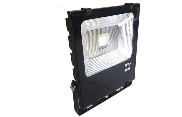 Đèn pha LED hắt tường ngoài trời