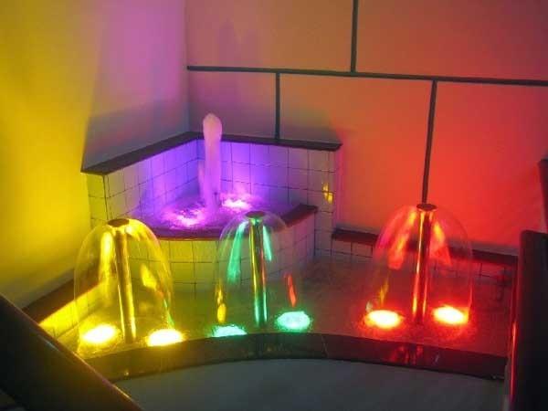 Đèn soi dưới nước - Đèn rọi dưới nước - Đèn LED rọi dưới nước
