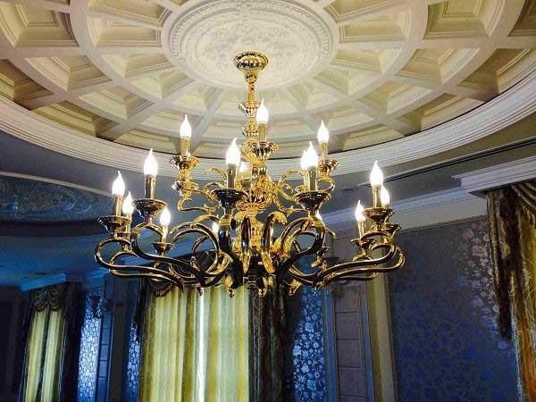 Đèn chùm phòng khách chung cư đồng mạ vàng - Đèn chùm đồng