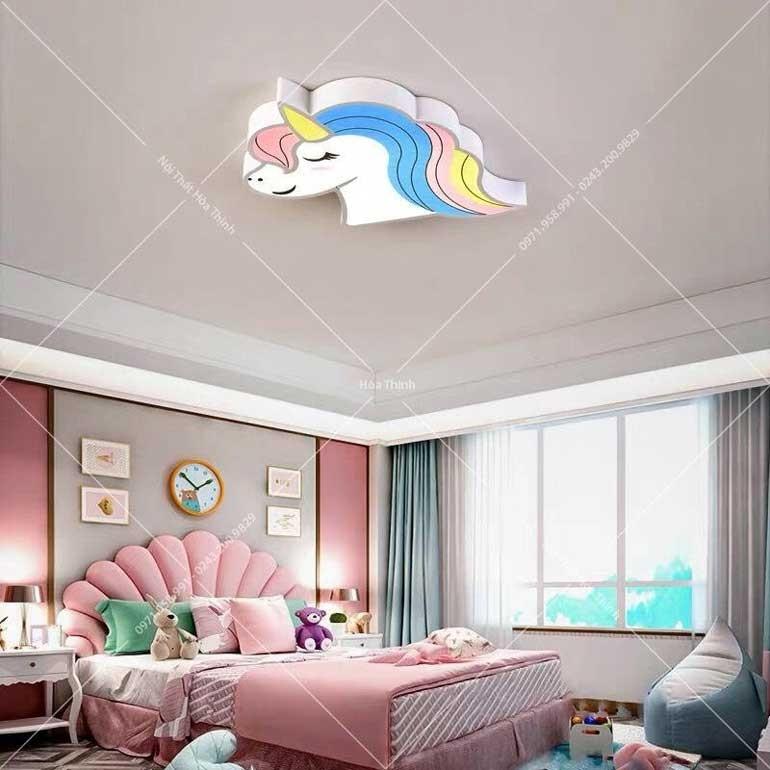 den-op-tran-tre-em-pony