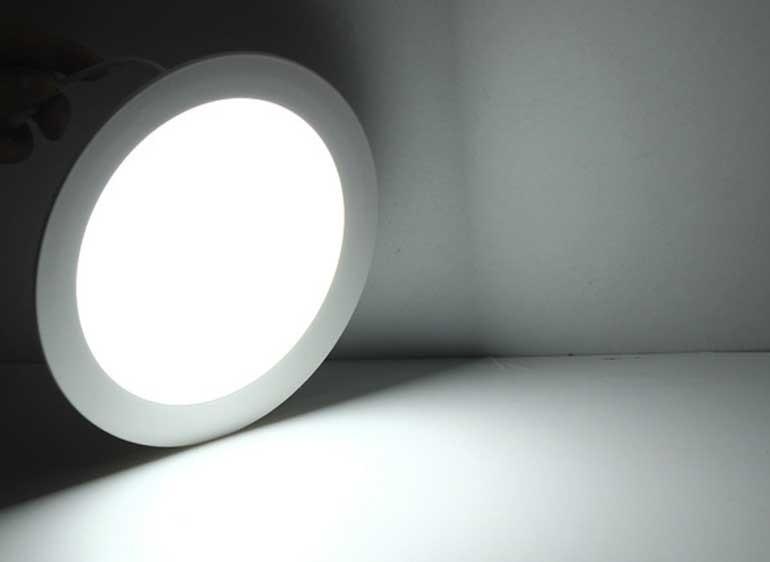 Đèn LED âm trần nên dùng loại nào? Có nên dùng đèn LED downlight tròn 18W- Đèn âm trần