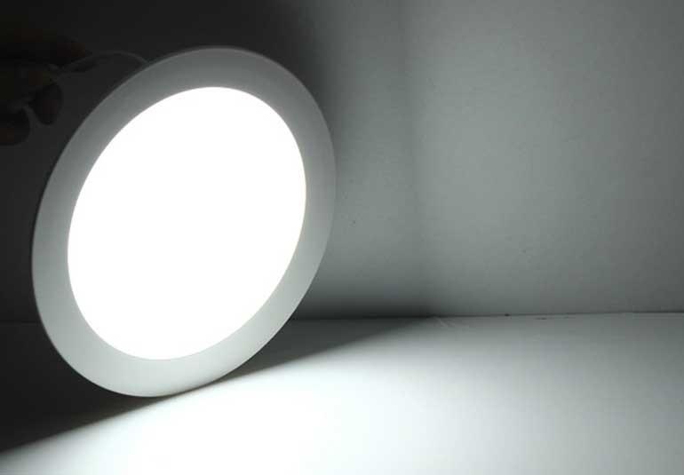 Đèn LED âm trần 3 màu tròn SM-T-DM-18 - Đèn LED Downlight 3 màu tròn SM-T-DM-18- Đèn Downlight