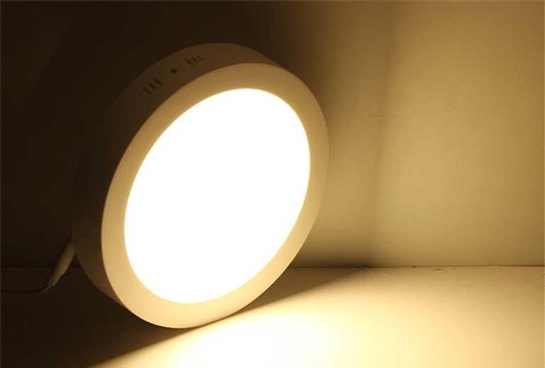 Đèn LED âm trần là gì