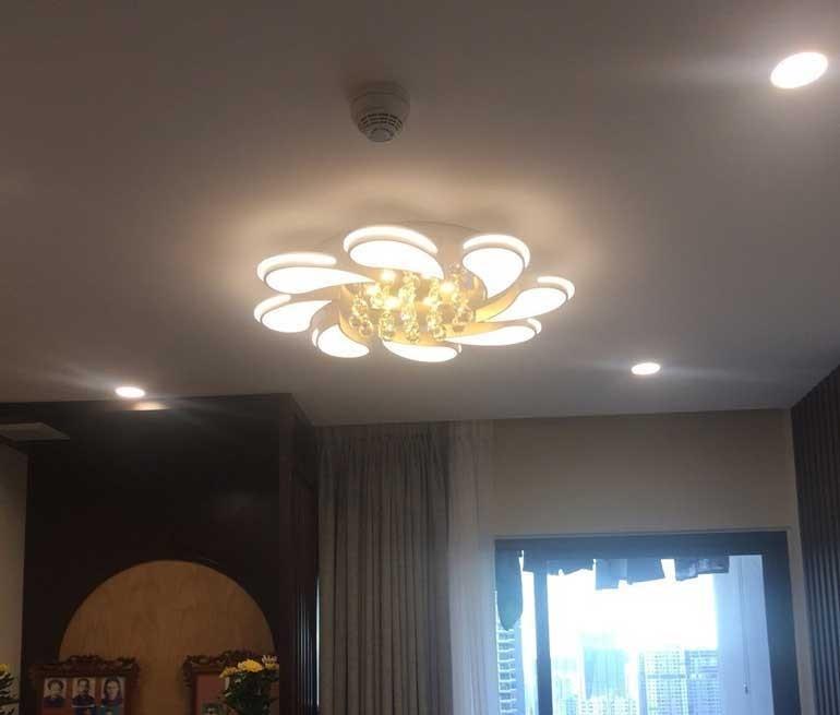 mẫu đèn phòng khách chung cư