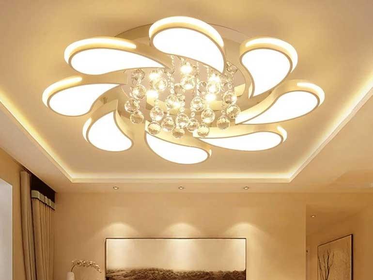 đèn trang trí phòng khách nhà chung cư