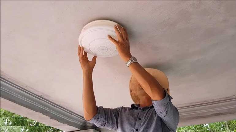 Cách thay bóng đèn led ốp trần