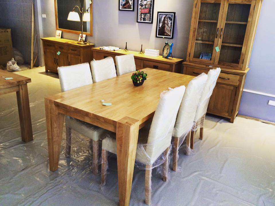 Mẫu bàn ăn gỗ cao su – TC13114