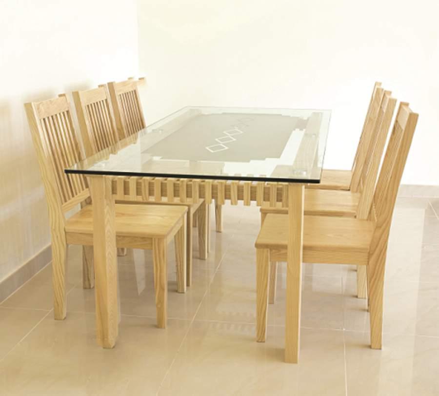 bàn ăn mặt kính TC9707