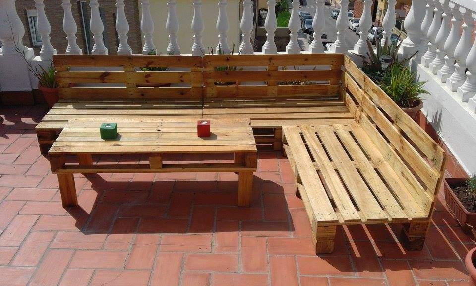Bàn ghế gỗ thông pallet TC17145