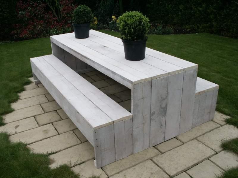 Bộ bàn ghế gỗ thông pallet TC17149