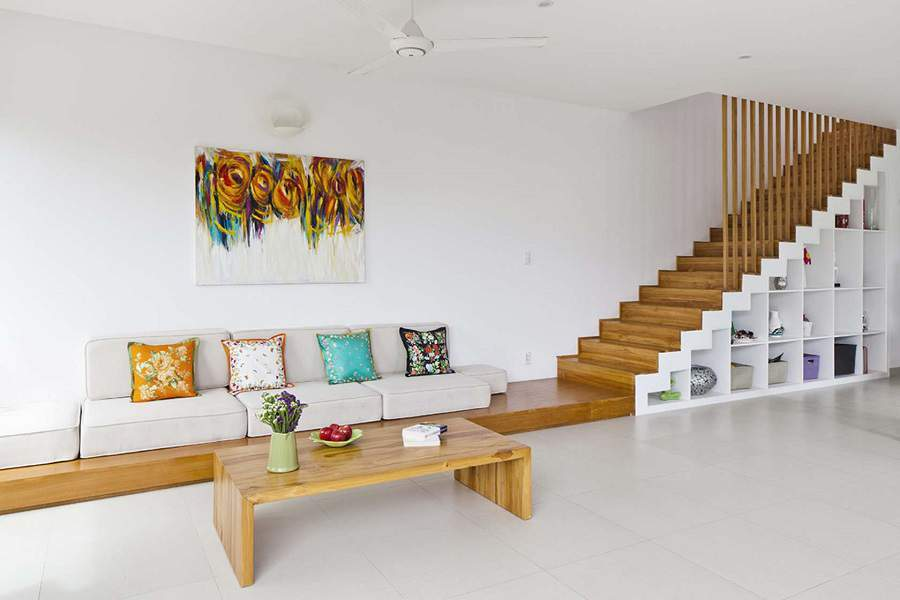 Trang trí gầm cầu thang phòng khách đơn giản mà đẹp