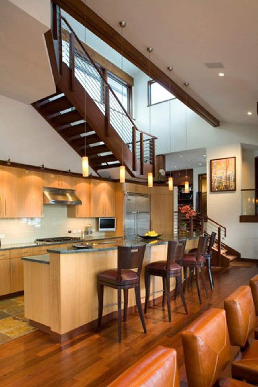 Cách hóa giải bếp đặt dưới cầu thang
