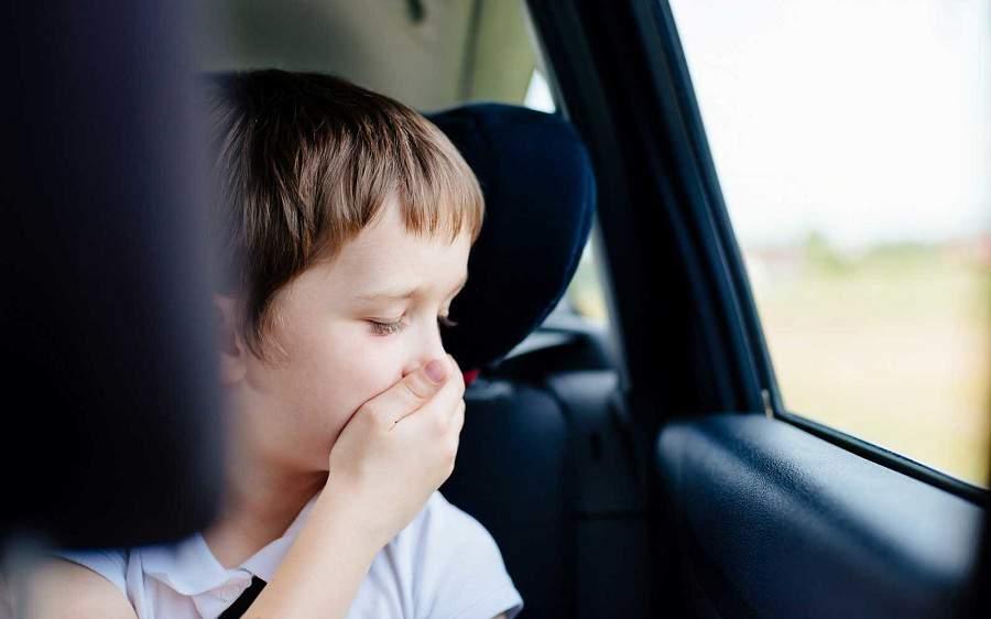 Mùi hôi khó chịu trên xe dùng máy lạnh