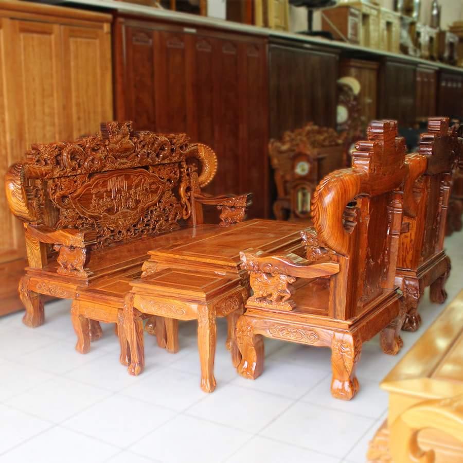 Gỗ hương làm nên những bộ bàn ghế sang trọng