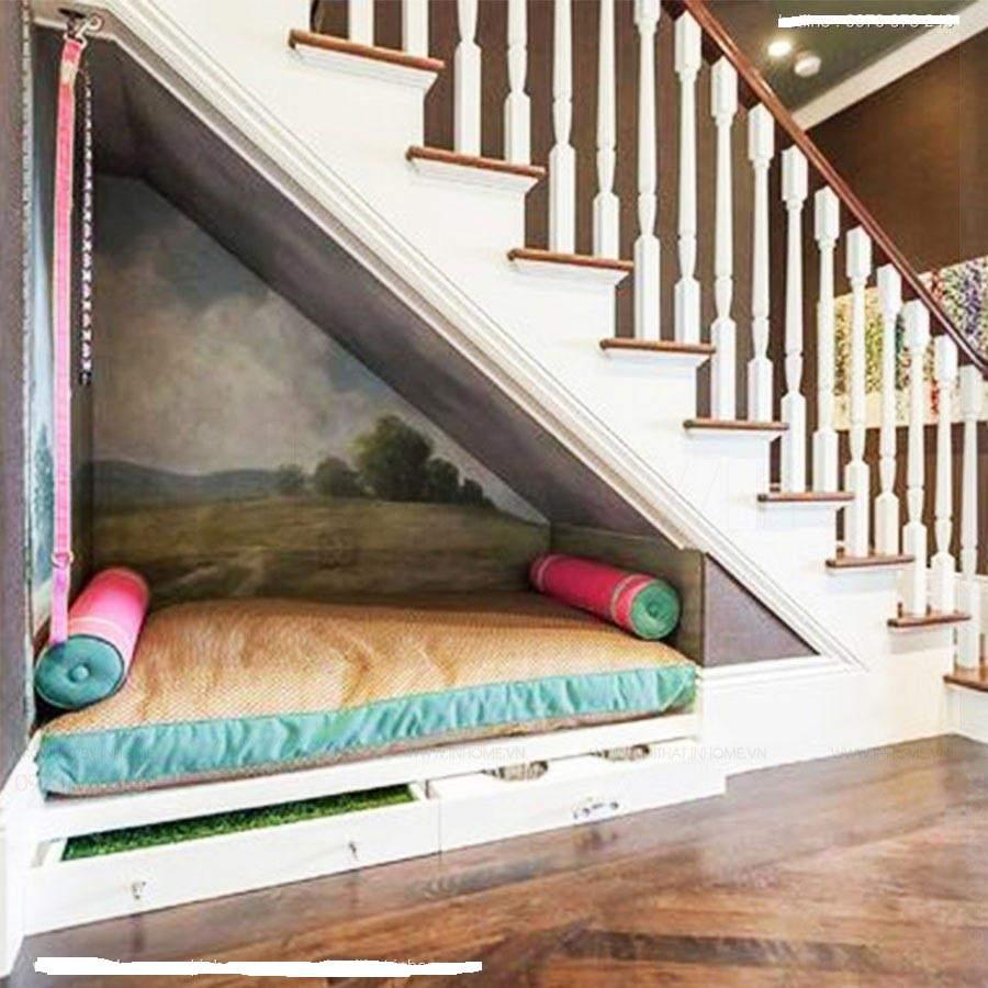 phòng ngủ dưới cầu thang