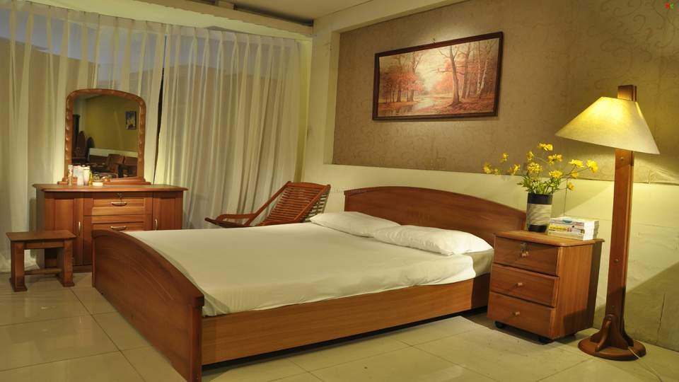 Mẫu giường ngủ gỗ hương – TC16137