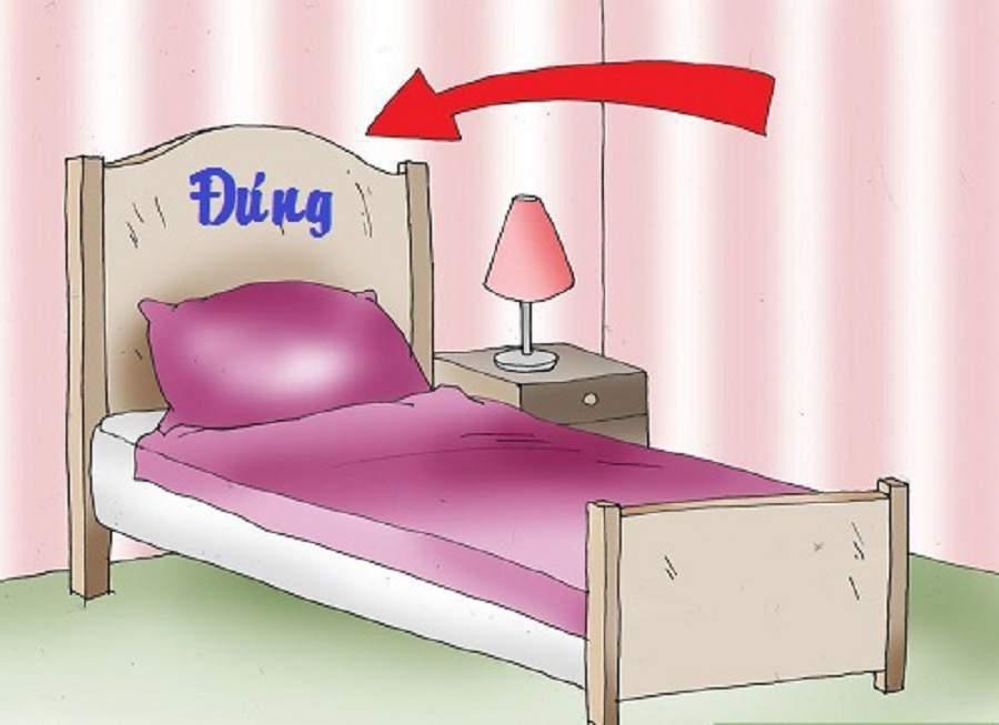 Nên kê giường sát tường
