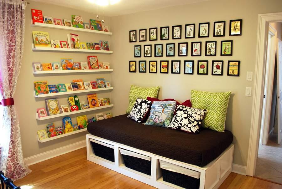 Kệ sách treo tường, kệ gỗ đựng sách trong phòng ngủ