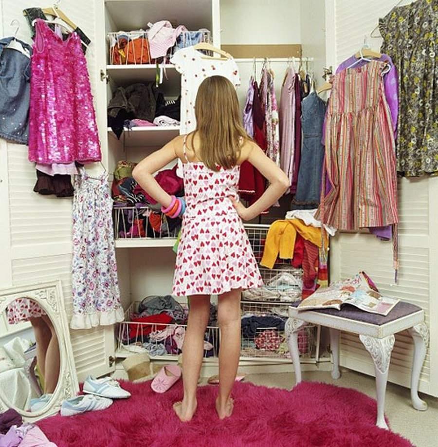 Khử mùi ẩm mốc trong tủ quần áo tiện lợi