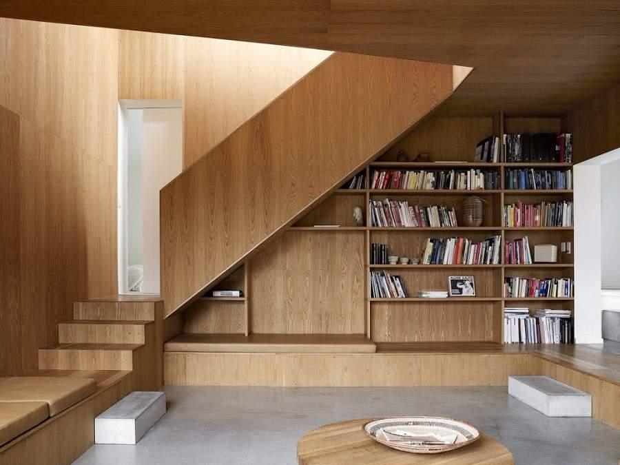 Mẫu tay vịn cầu thang gỗ đẹp hiện đại