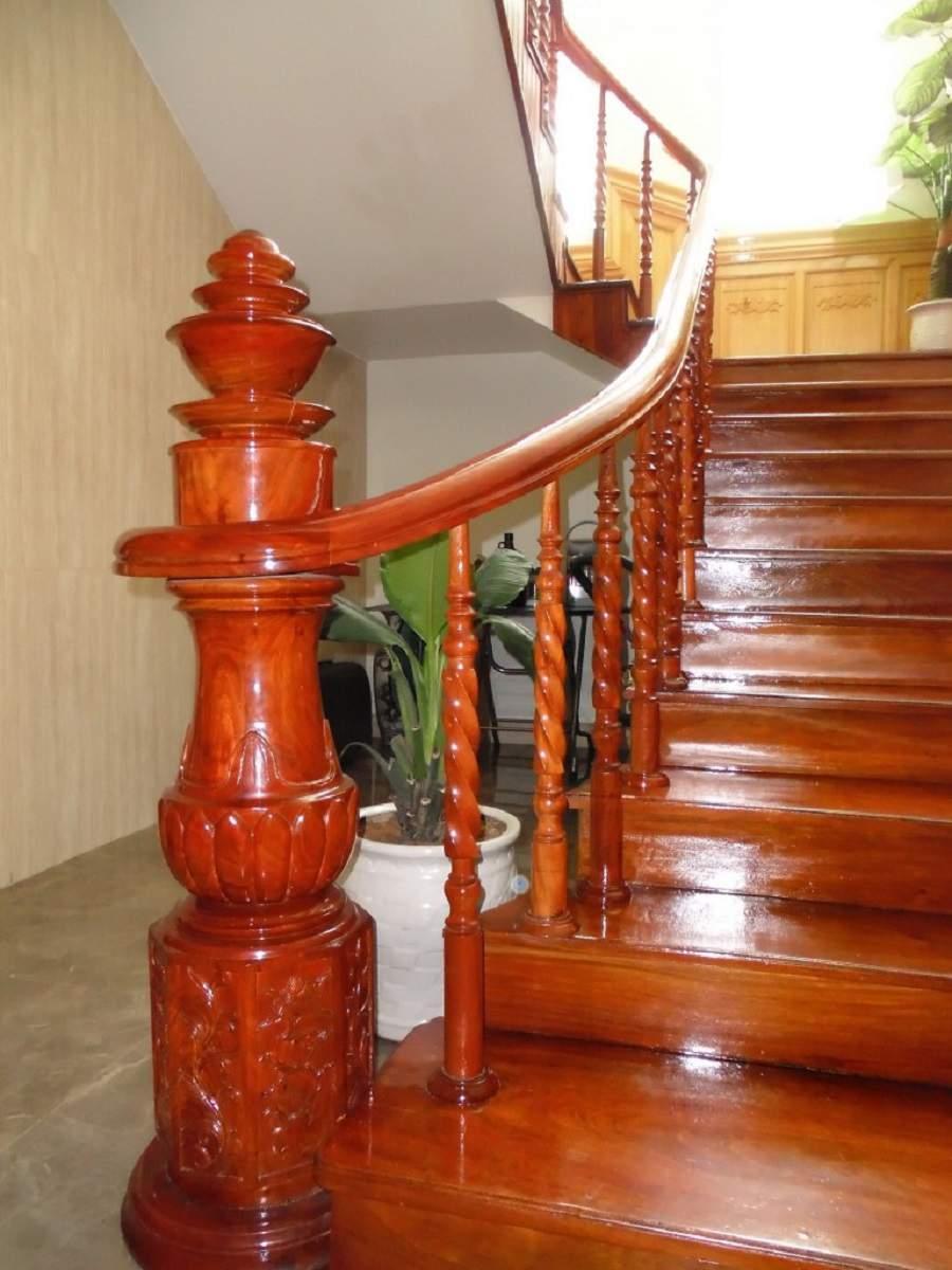 mẫu trụ cầu thang gỗ đẹp hiện đại cho mọi nhà